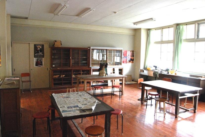 salle de cours, sculpture bois