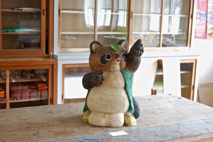 sculpture bois (tanuki)