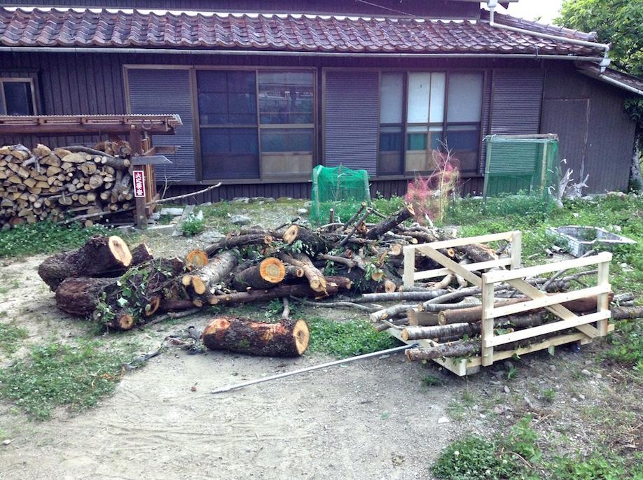 introduction du chariot pour transporter le bois et le stocker